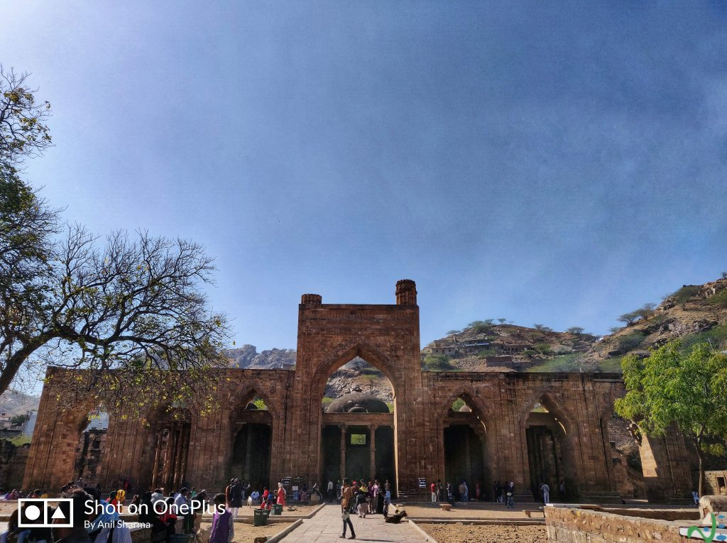 Adhai din ka Jhonpda; sightseeing and things to do in Ajmer city