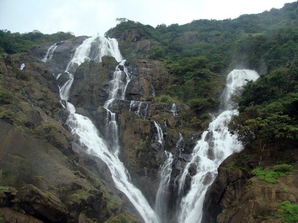 Tourist places in Goa - Dudhsagar falls