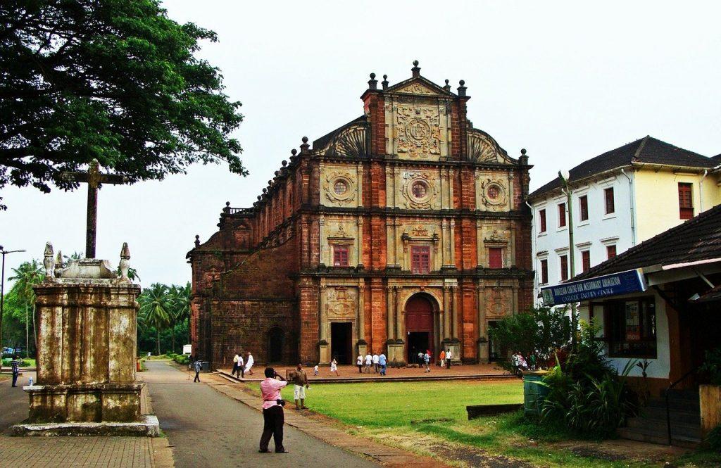 Tourist places in Goa - Basilica of Bom Jesus